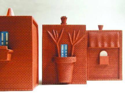 &#8220;Interno/Esterno&#8221;<br/>contenitori in ceramica<br/>autoproduzione (1978/1988)